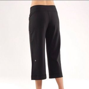 Lululemon Black Wide-Leg Capri Yoga Pants